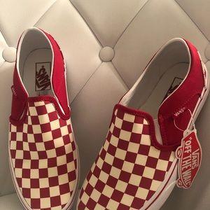 Vans Women's Asher slip-on Sneaker